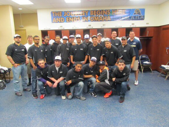 Team-photo-inside-the-Pitt-clubhouse-580x435