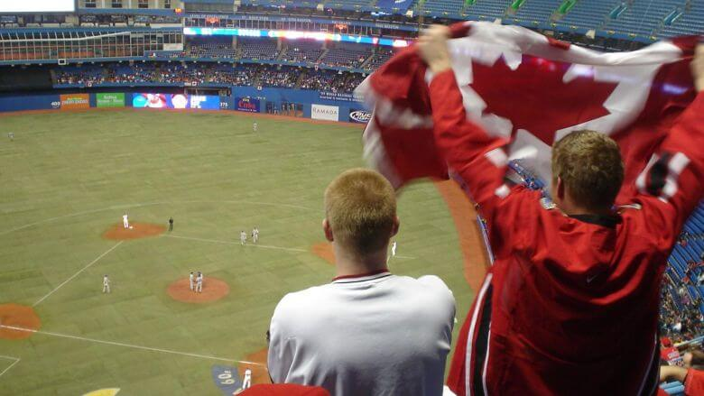 Proud_Canadian_fans_-_Canada_vs_Italy_-_2009_World_Baseball_Classic_in_Toronto